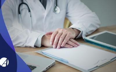 Como devo me preparar e proceder durante a perícia médica?